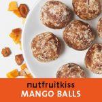 Energyballs Mango auf einem Teller
