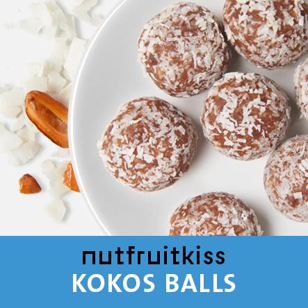 Energyballs Kokos auf einem Teller